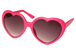 """lunettes roses """"width ="""" 300 """"height ="""" 214 """"srcset ="""" https://mannengeheim.nl/wp-content/uploads/2015/12/rozemont.png 300w, https://mannengeheim.nl/wp-content / uploads / 2015/12 / rozottage-150x107.png 150w, https://mannengeheim.nl/wp-content/uploads/2015/12/rozreken-65x46.png 65w, https://mannengeheim.nl/wp-content / uploads / 2015/12 / rozottage-220x157.png 220w, https://mannengeheim.nl/wp-content/uploads/2015/12/rozekenen-140x100.png 140w """"tailles ="""" (largeur max: 300px) 100vw , 300 px"""